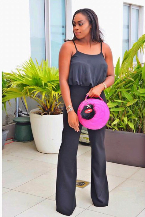 wide leg pant, blouse and pink bag