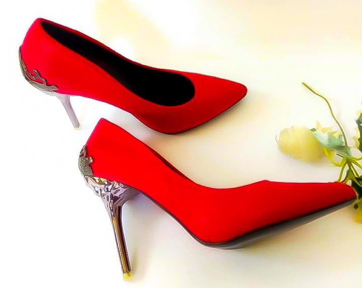 suede pumps with mettalic heels
